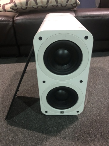 Q Acoustics Subwoofer (Piano White) Img_6613