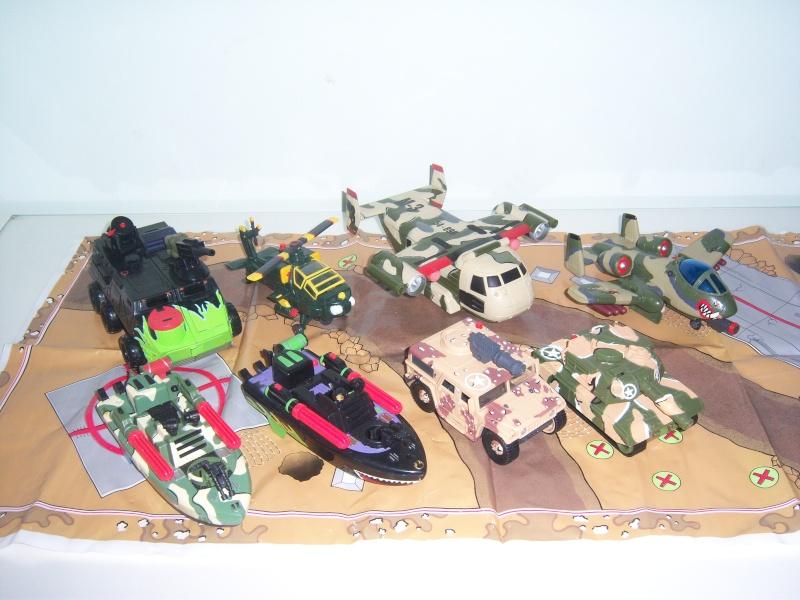 """CERCO """"TIPI TOSTI"""" della GIG soldatini muscolosi - scambio anche con giocattoli Jurassik Park - Pagina 2 100_6826"""