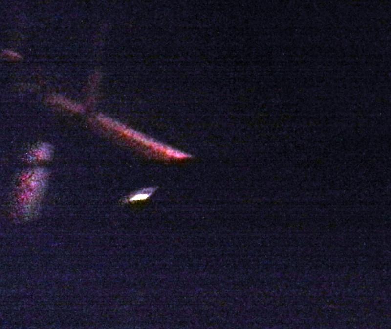 2012: le 26/08 à 21h00 - Une soucoupe volante - croisilles (62)  - Page 13 Cam00215