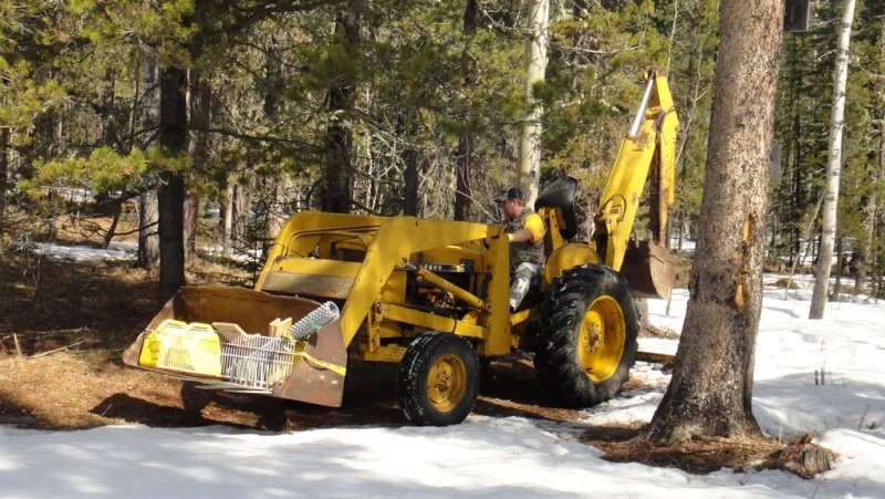 New owner of a 1010W backhoe loader Dsc06311