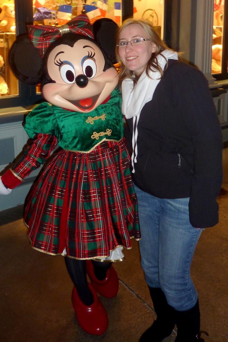 Vos photos avec les Personnages Disney - Page 6 P1060110