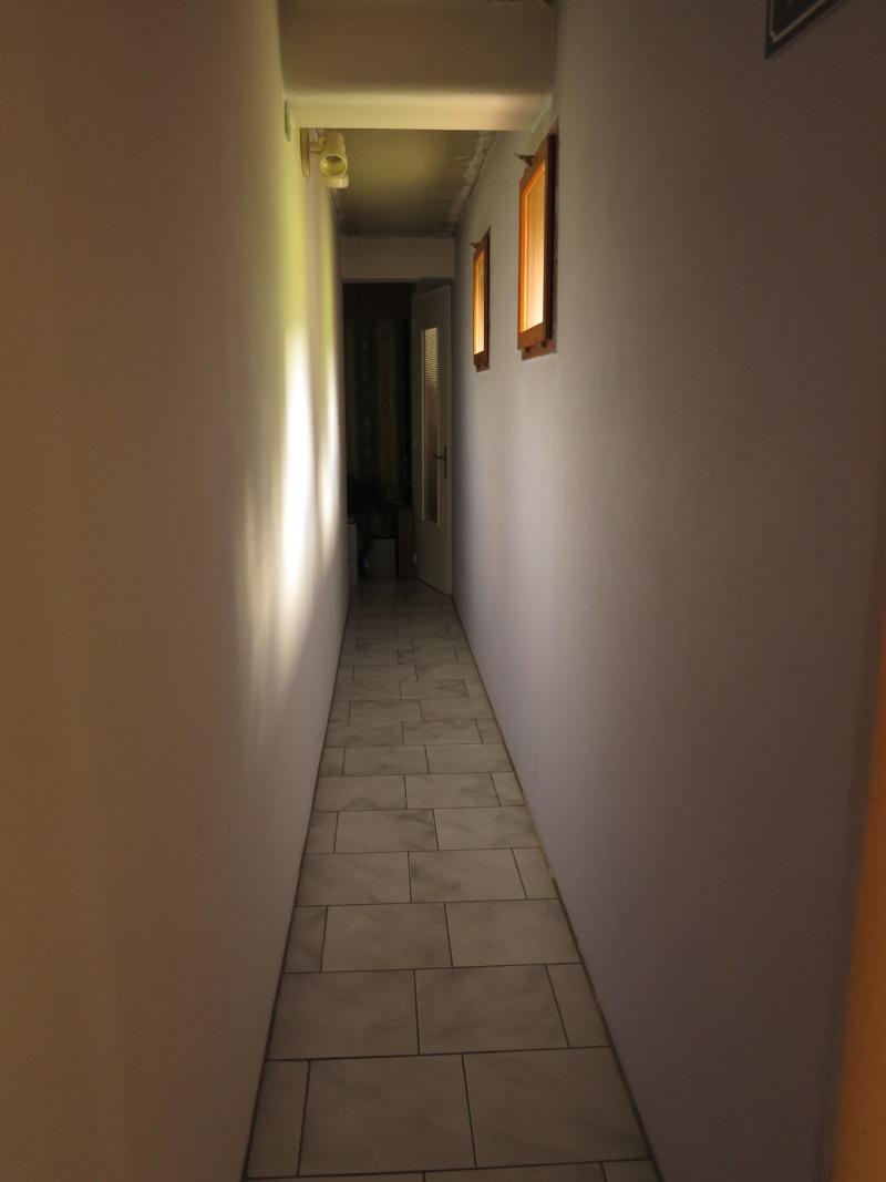 projets de placard et decoration longs couloirs étroits  Couloi10