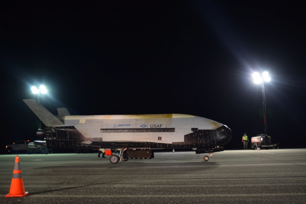Falcon-9 (X-37B OTV-5) - 7.9.2017 - Page 8 X37bb10