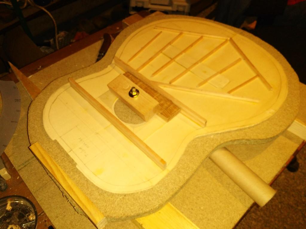 Tetative restauration guitare acoustique Img_2019