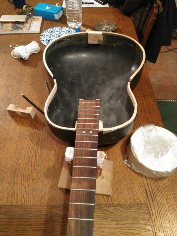 Tetative restauration guitare acoustique Img_2026