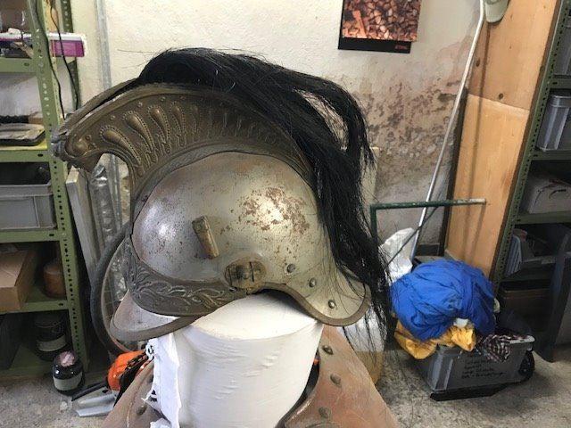 Identification et estimation d'un casque et une cuirasse  Downlo14