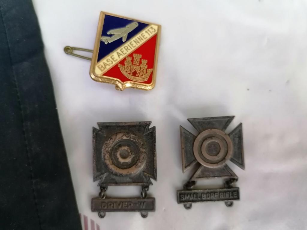 Médailles et insignes a identifié  Img_2224