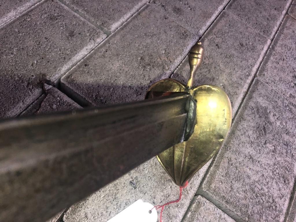 Avis sur un sabre qui me semble de cavalerie 1720 Img_2514