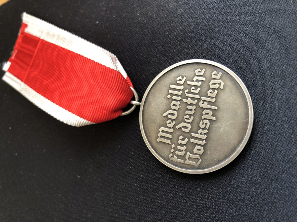 Médaille Ehrenzeichen für deutsche Volkspfleg 4a47ca10