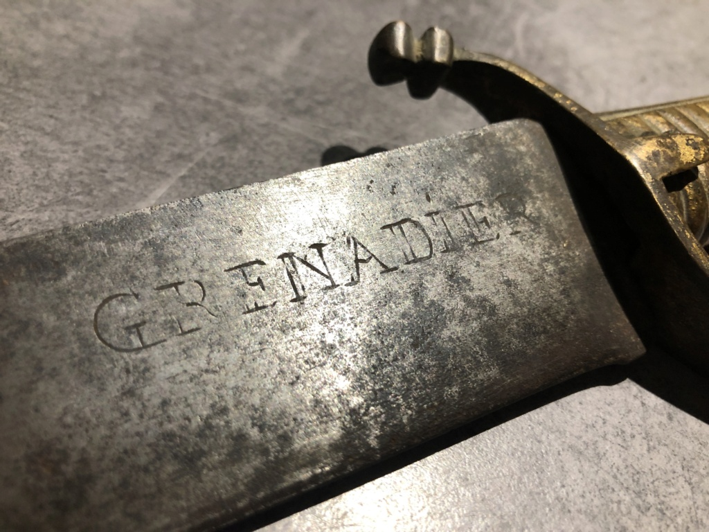 Identification sabre ou épée Grenadier 5353d310