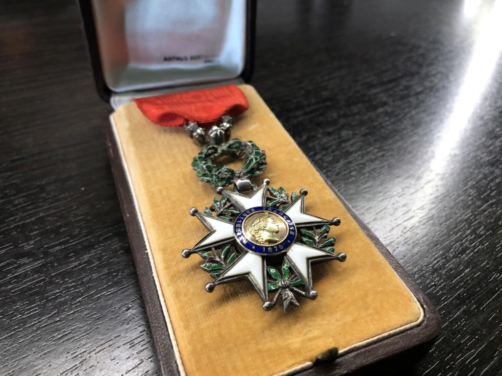 Une Légion d'Honneur avec surprise. 67427110