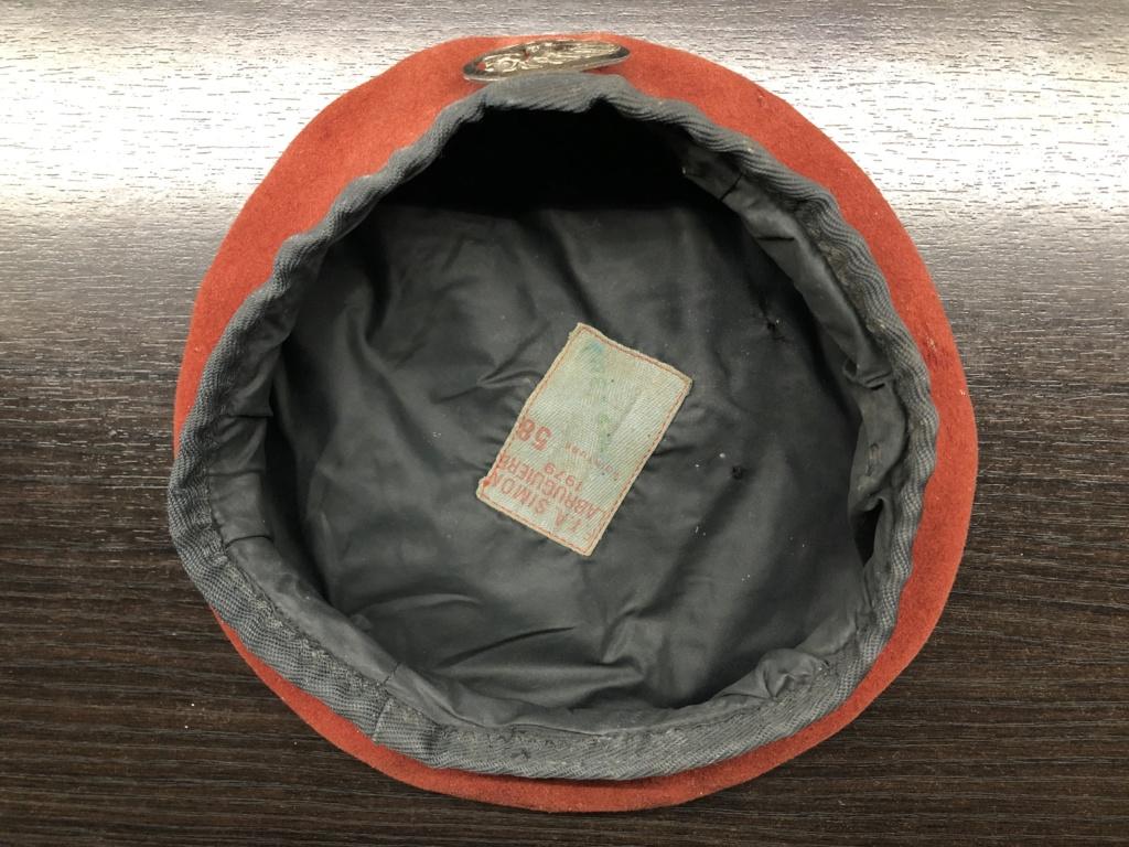 Béret rouge avec insigne troupes métro aéroportées ( Merci Greg ;) ) 6cab2710