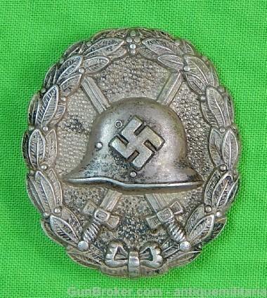Badge des blessés ajourée 6f2df210