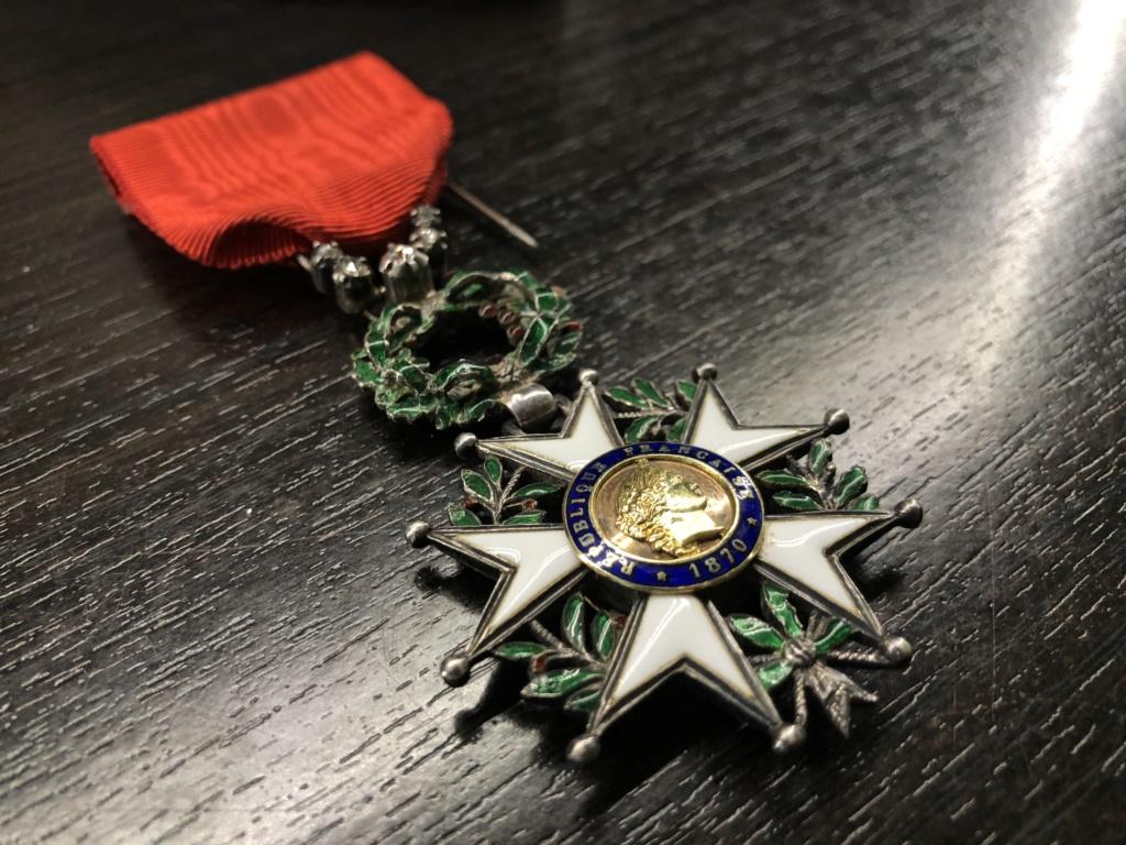 Une Légion d'Honneur avec surprise. 79c64310