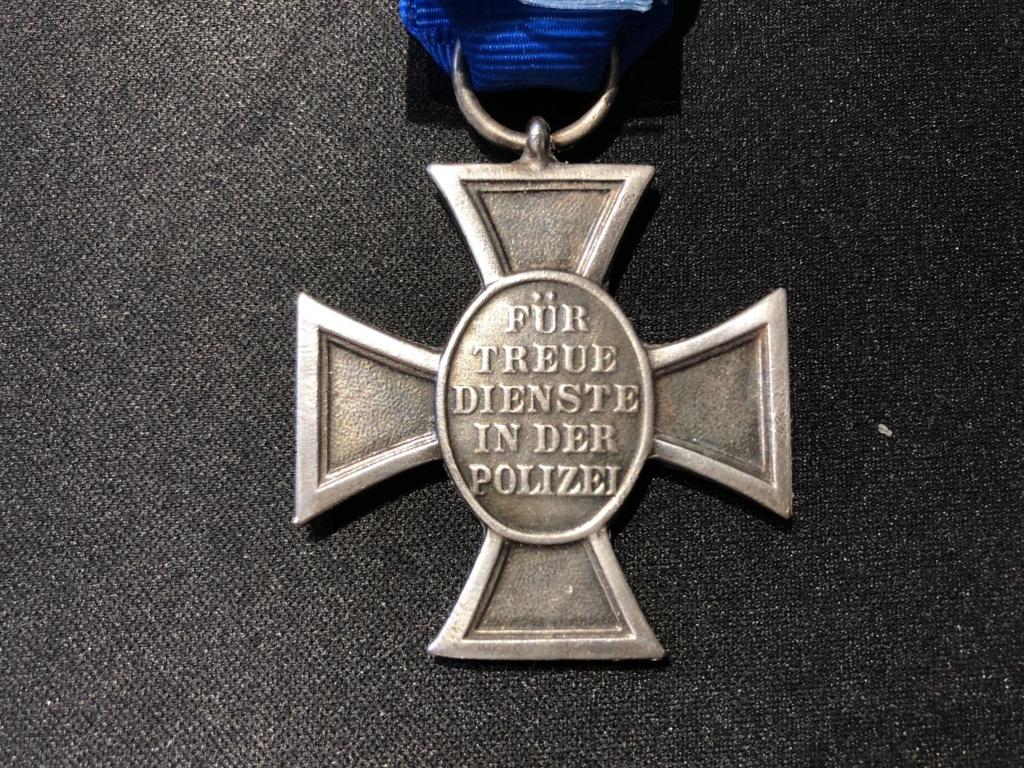 Authentification Médaille Polizei 18 ans de services  7f1e8910