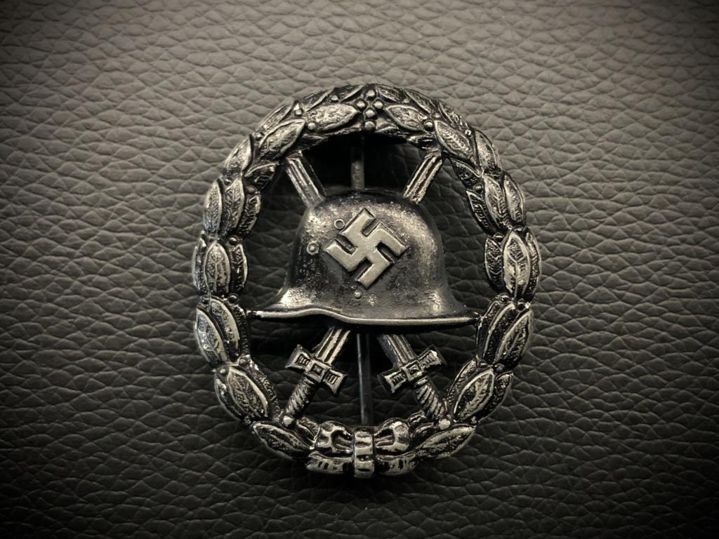 Ma collection de badges des blessés. A2201010