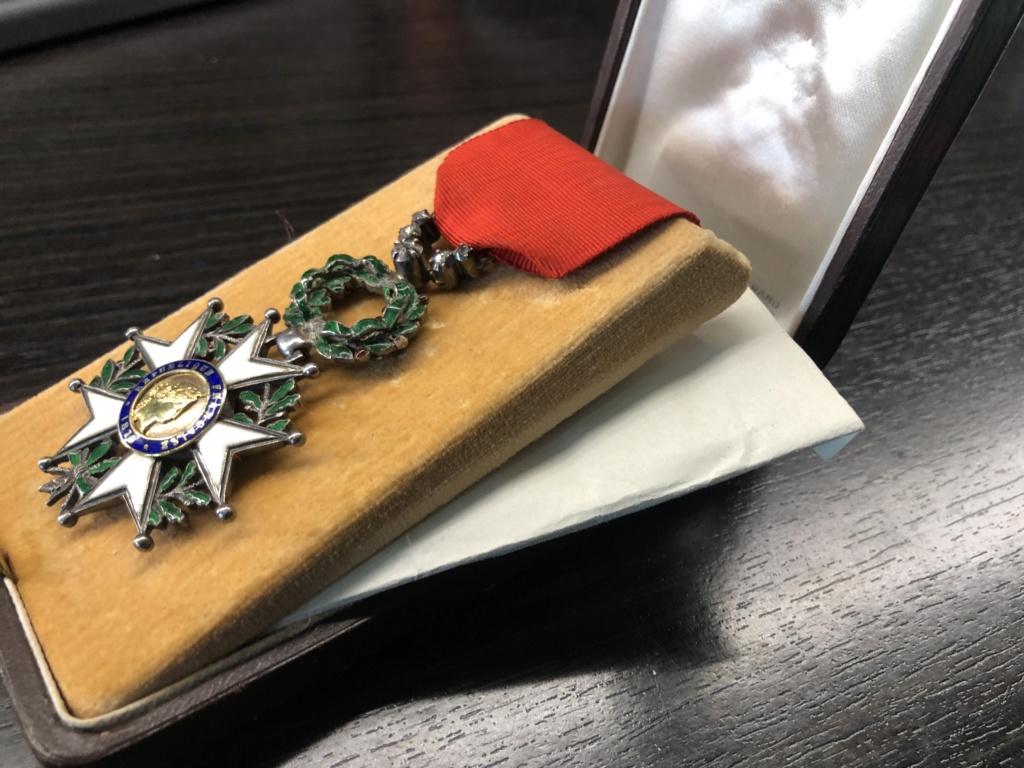 Une Légion d'Honneur avec surprise. A2750710