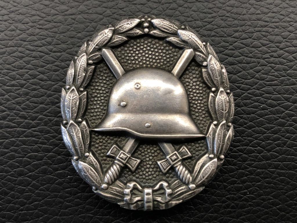 Ma collection de badges des blessés. Ab2f8210