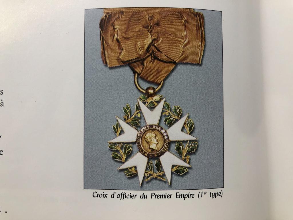 Aide sur un détails des Légions d' Honneur B3f2fd10