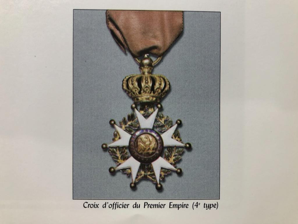 Aide sur un détails des Légions d' Honneur Cde11a10