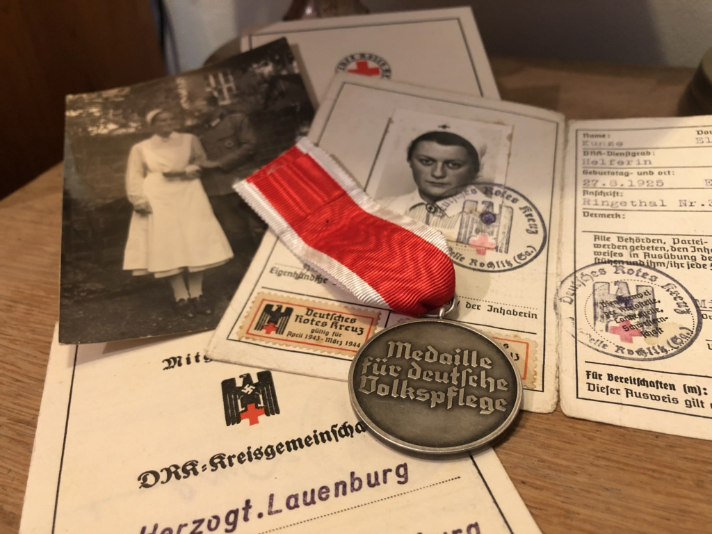 Médaille Ehrenzeichen für deutsche Volkspfleg D0bf8d10