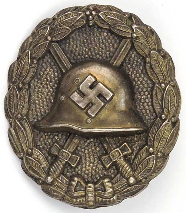 Badge des blessés ajourée Ea1d9010