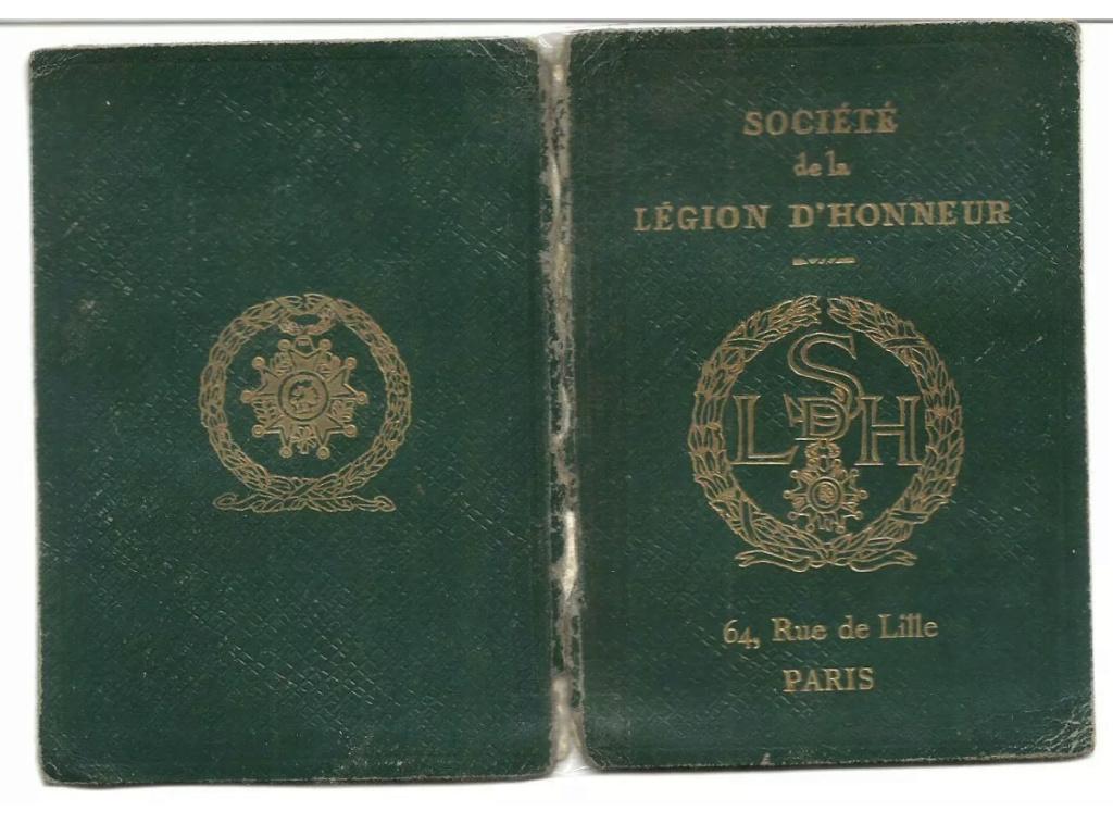 Carte de membre de la légion d'honneur authentique ou non ? Eec40310