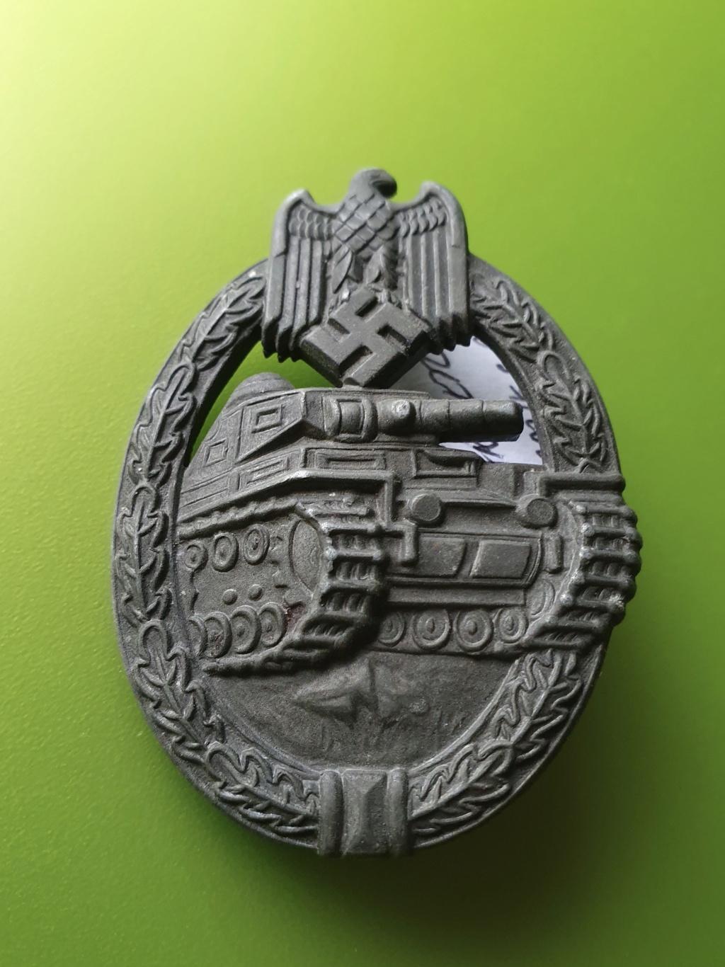 Authentification Panzerkampfabzeichen F2412910