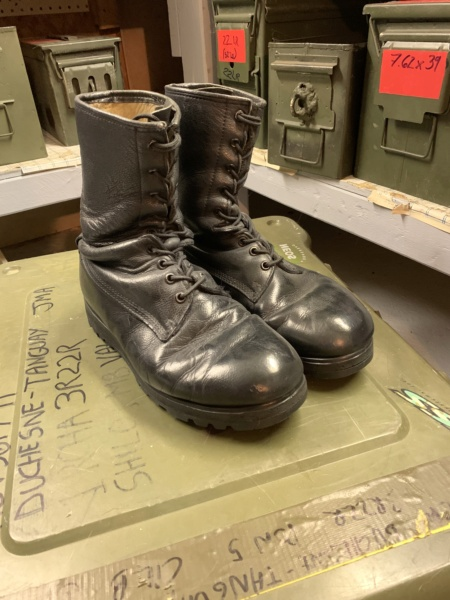 Des armes à feu et des munitions de qualité militaire retrouvées à la maison après l'arrestation d'u - Page 2 7b89b110