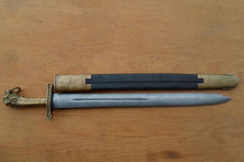 Fourreau d'épée inconnu 31010