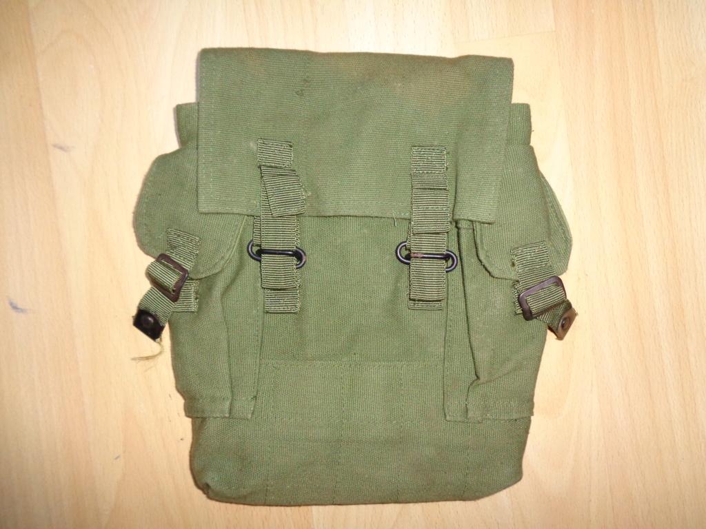 Unidentified AK pouch Dsc00317