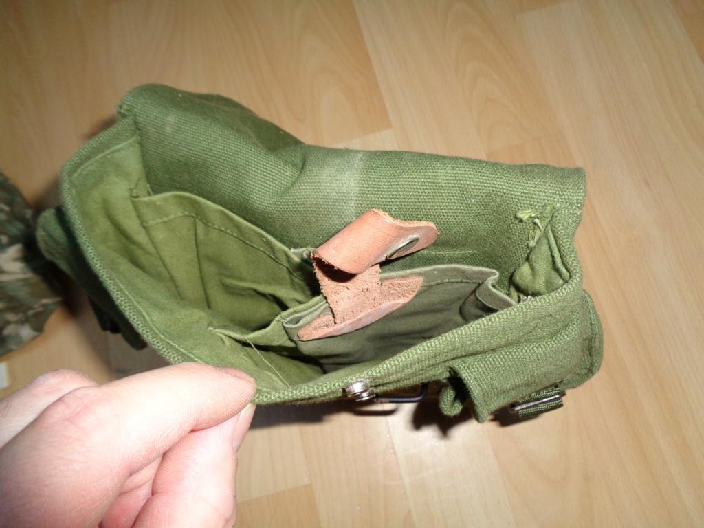 Unidentified AK pouch Dsc00318