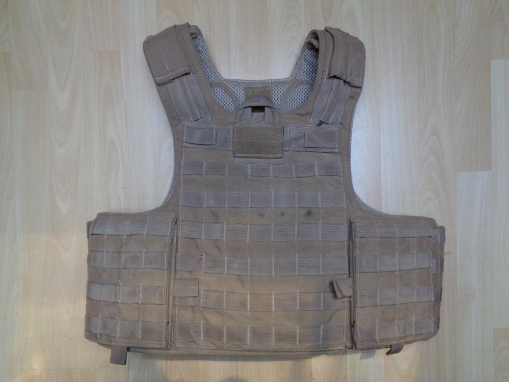 Dutch uniform and body armor as used in Mali, Fibrotex Fightex and Profile Equipment Moral SF, and more related gear (Profile, Diamondback) Dsc01025