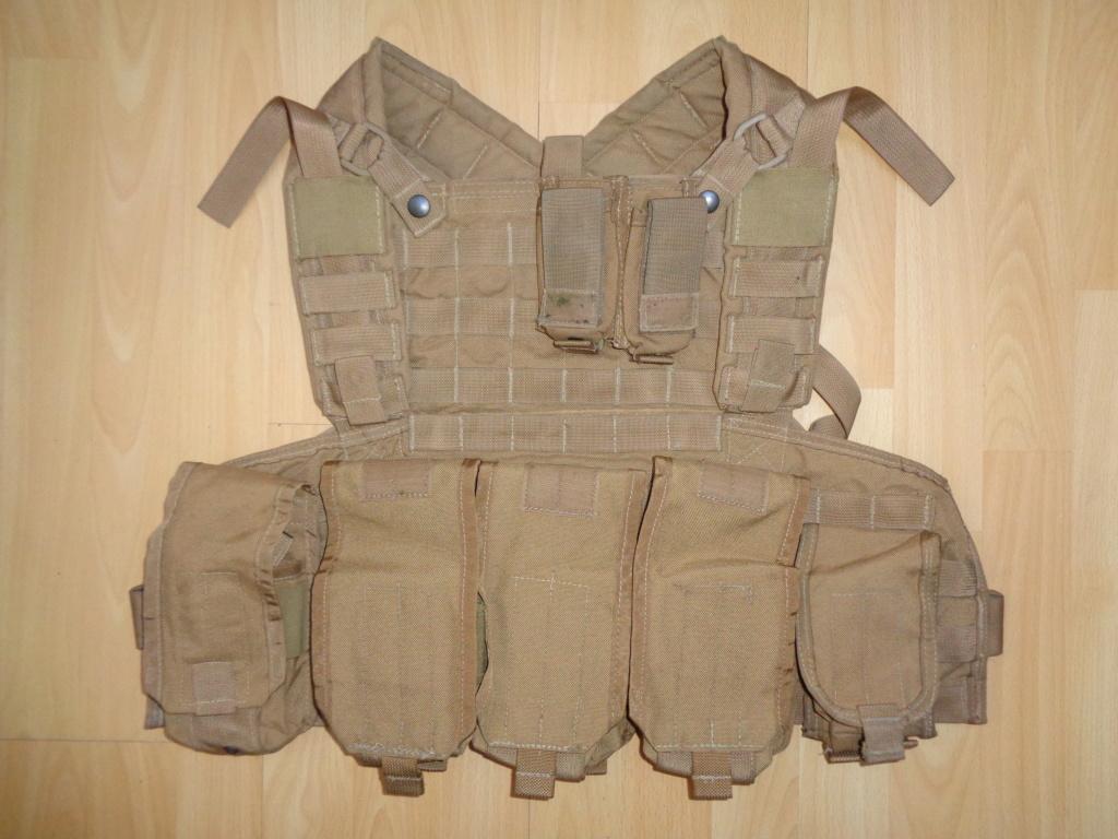 Dutch uniform and body armor as used in Mali, Fibrotex Fightex and Profile Equipment Moral SF, and more related gear (Profile, Diamondback) Dsc01521