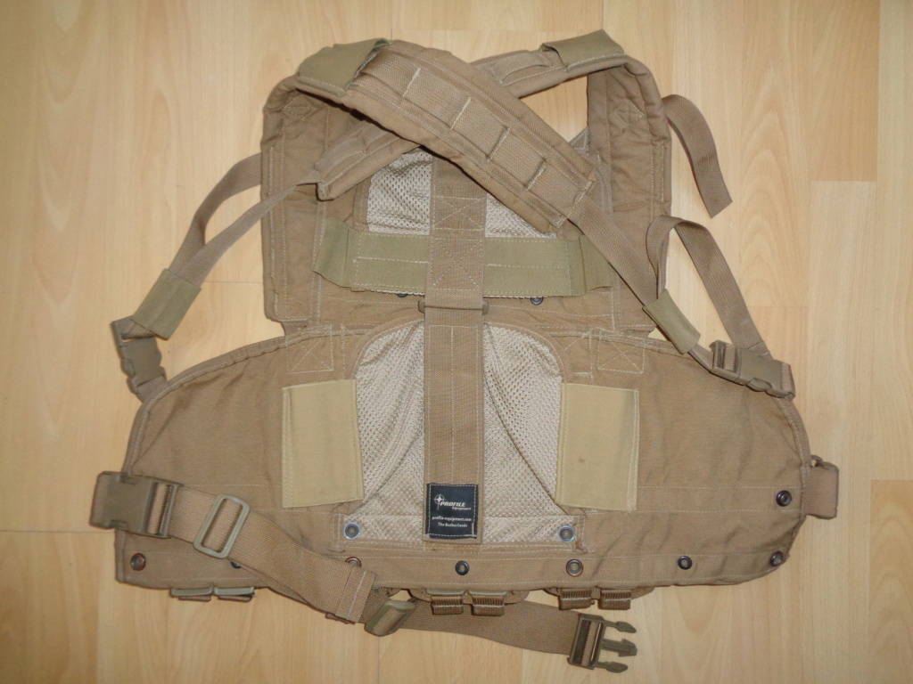 Dutch uniform and body armor as used in Mali, Fibrotex Fightex and Profile Equipment Moral SF, and more related gear (Profile, Diamondback) Dsc01522