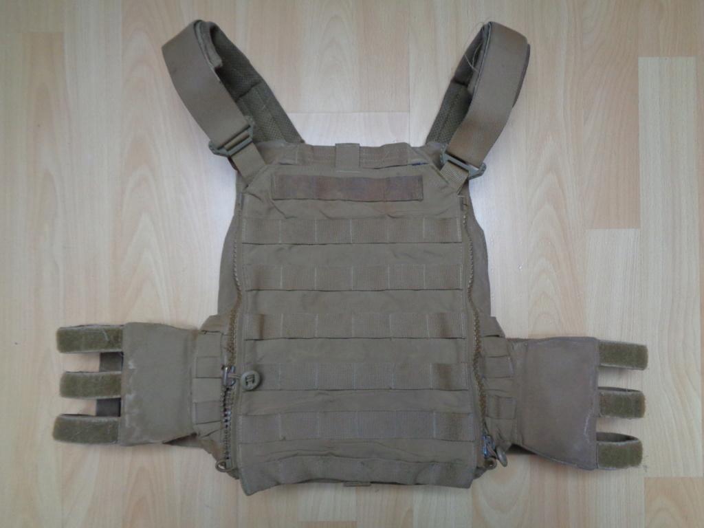 Dutch uniform and body armor as used in Mali, Fibrotex Fightex and Profile Equipment Moral SF, and more related gear (Profile, Diamondback) Dsc02120