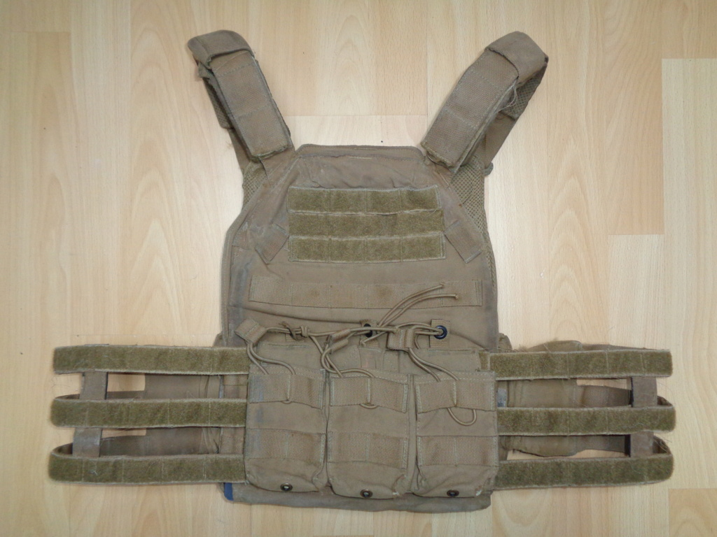 Dutch uniform and body armor as used in Mali, Fibrotex Fightex and Profile Equipment Moral SF, and more related gear (Profile, Diamondback) Dsc02121