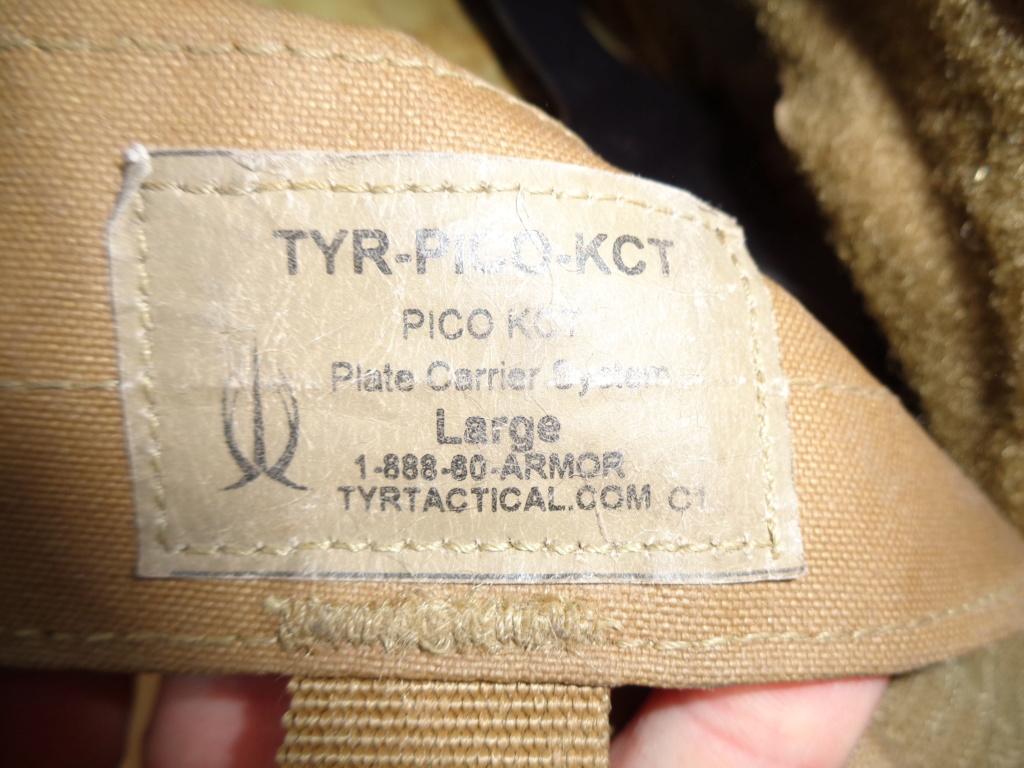 Dutch uniform and body armor as used in Mali, Fibrotex Fightex and Profile Equipment Moral SF, and more related gear (Profile, Diamondback) Dsc02122
