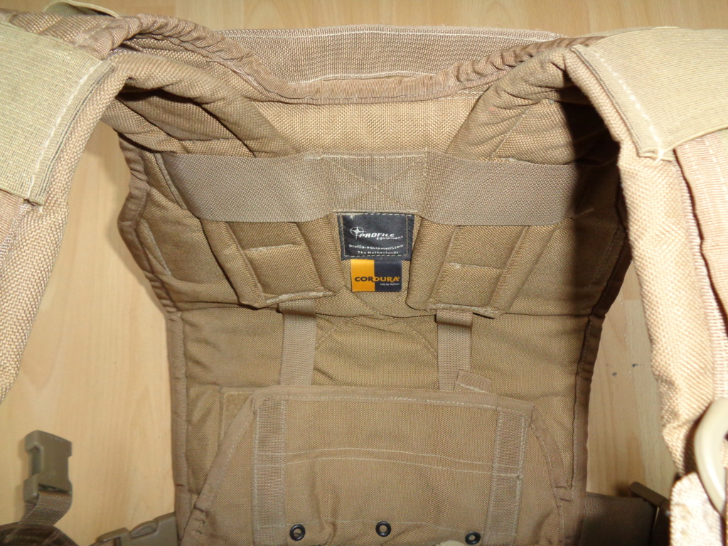 Dutch uniform and body armor as used in Mali, Fibrotex Fightex and Profile Equipment Moral SF, and more related gear (Profile, Diamondback) Dsc02141