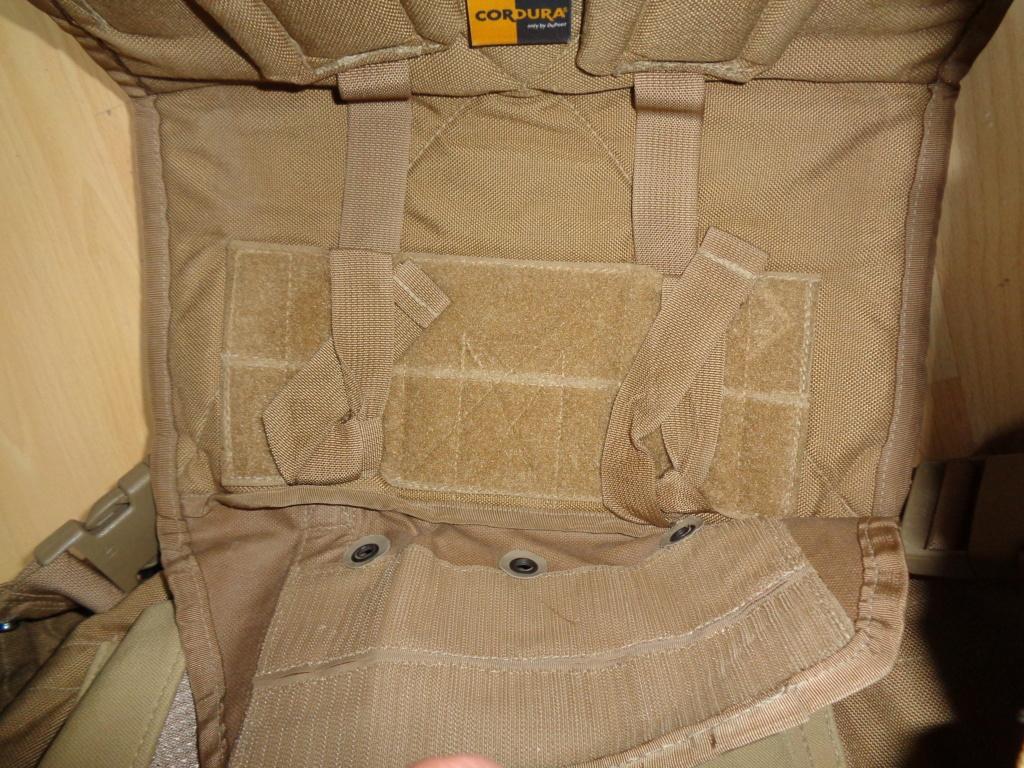 Dutch uniform and body armor as used in Mali, Fibrotex Fightex and Profile Equipment Moral SF, and more related gear (Profile, Diamondback) Dsc02145