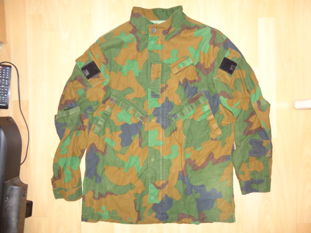 Really rare trial jungle camo combat uniform Dsc02439