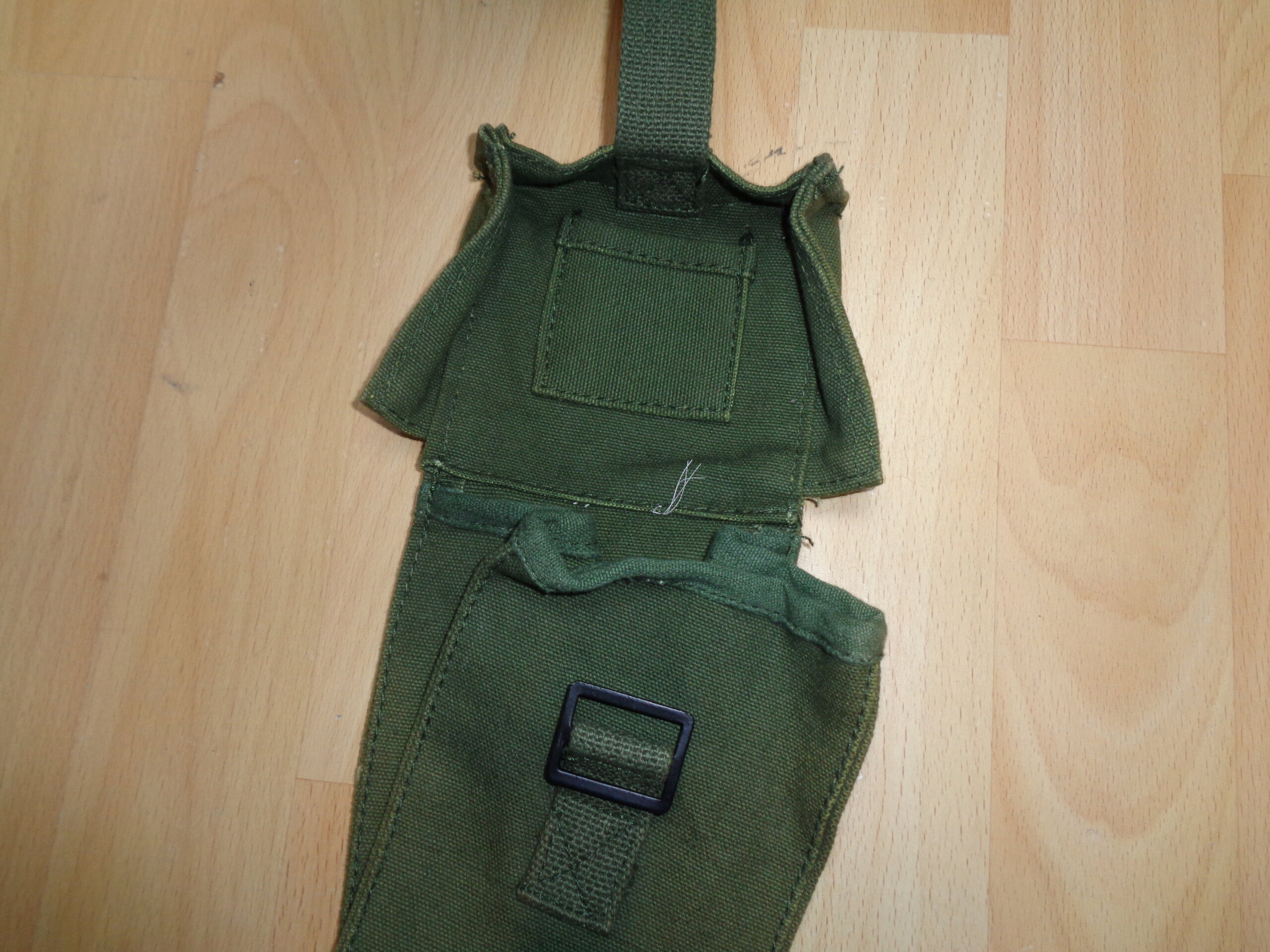Iraqi (?) P58 canteen pouch Dsc03317