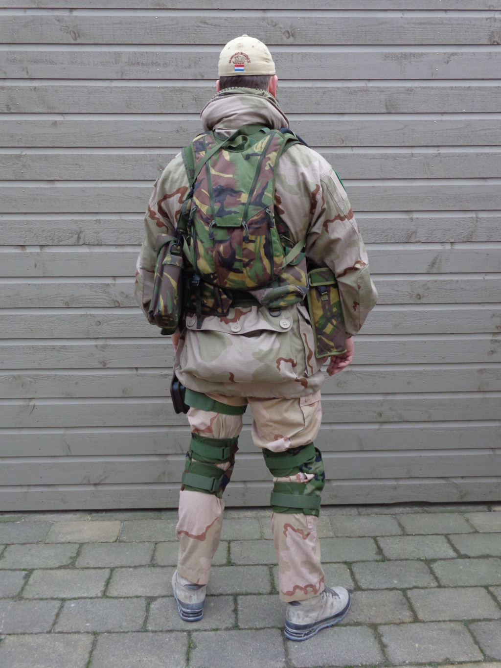 Dutch army loadout displays (cold war era) - Page 3 Dsc06010