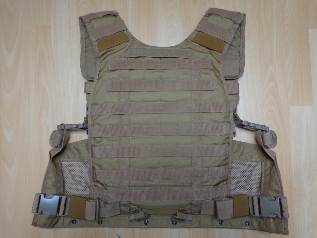 Dutch uniform and body armor as used in Mali, Fibrotex Fightex and Profile Equipment Moral SF, and more related gear (Profile, Diamondback) Dsc06644