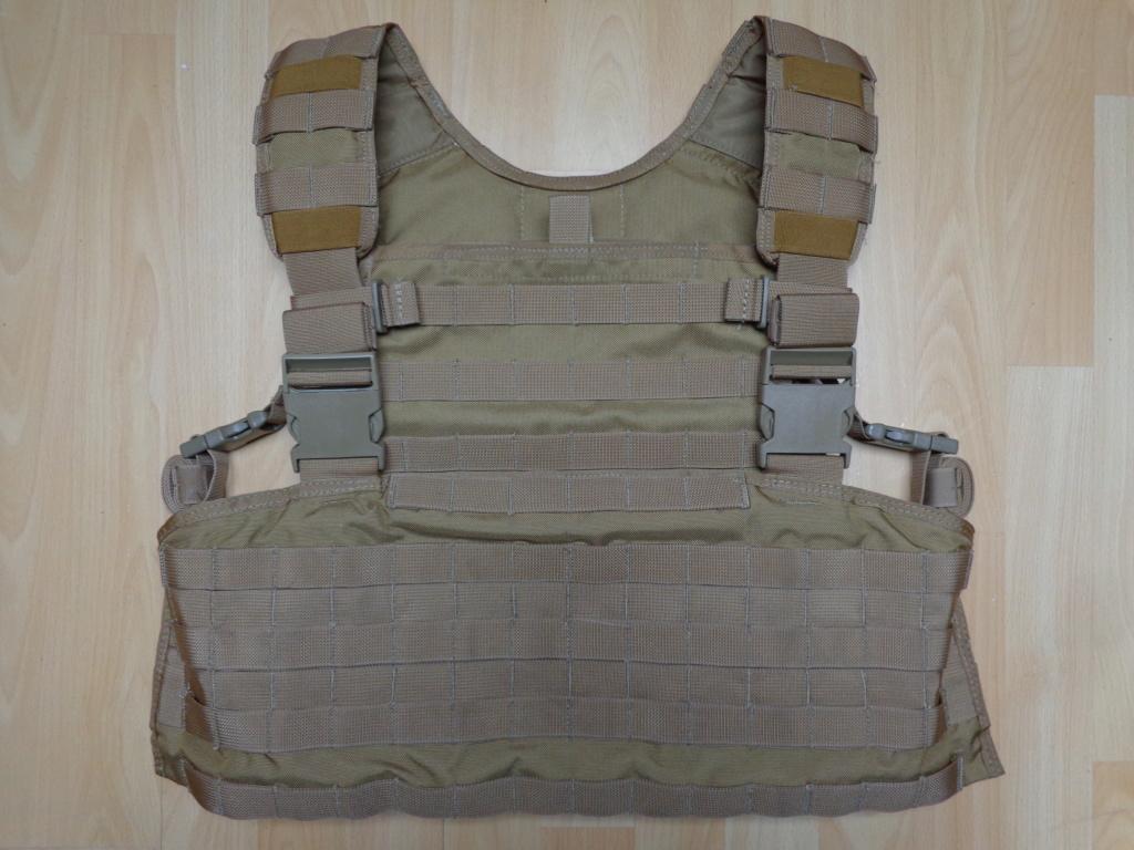 Dutch uniform and body armor as used in Mali, Fibrotex Fightex and Profile Equipment Moral SF, and more related gear (Profile, Diamondback) Dsc06646