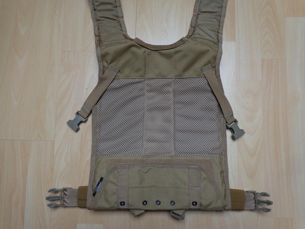 Dutch uniform and body armor as used in Mali, Fibrotex Fightex and Profile Equipment Moral SF, and more related gear (Profile, Diamondback) Dsc06647