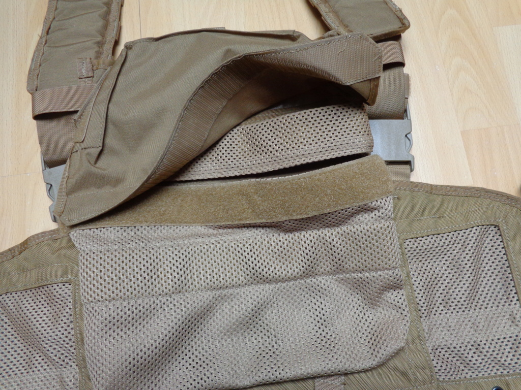 Dutch uniform and body armor as used in Mali, Fibrotex Fightex and Profile Equipment Moral SF, and more related gear (Profile, Diamondback) Dsc06648