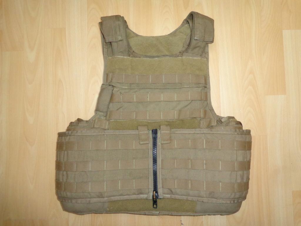 Dutch uniform and body armor as used in Mali, Fibrotex Fightex and Profile Equipment Moral SF, and more related gear (Profile, Diamondback) Dsc06739