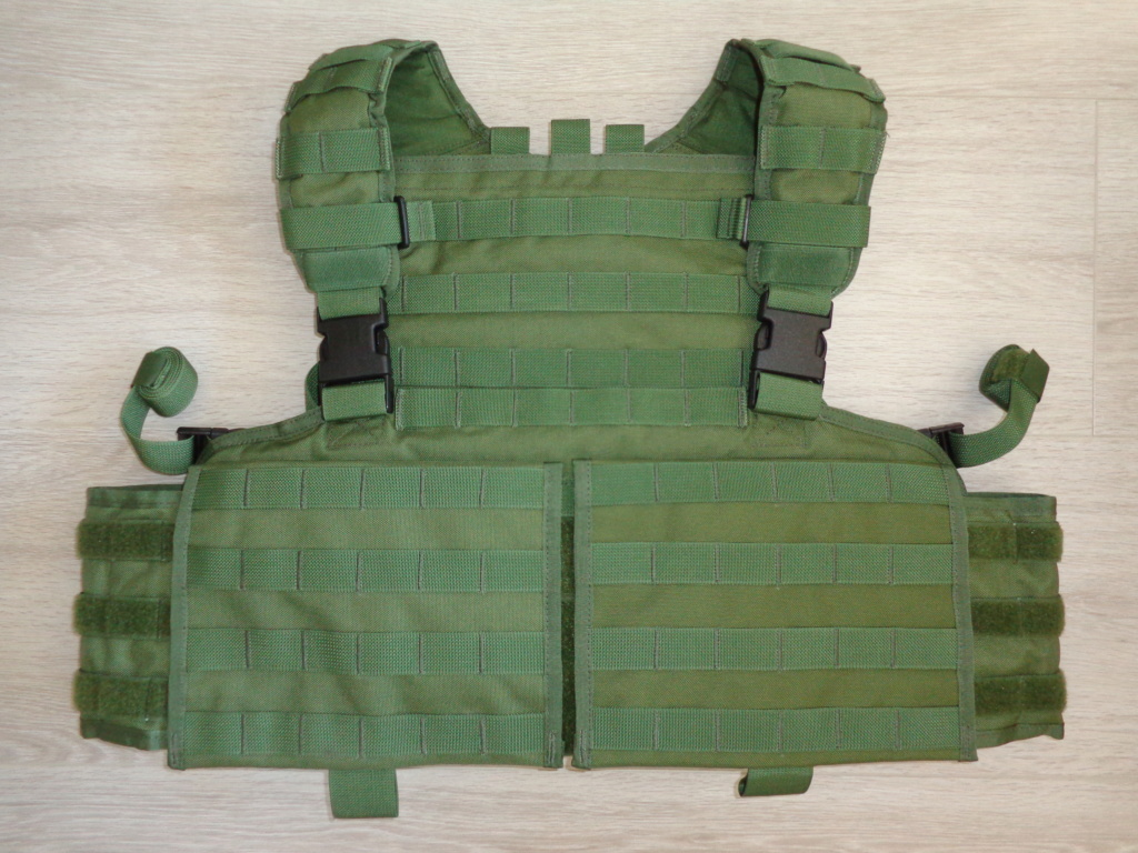Dutch uniform and body armor as used in Mali, Fibrotex Fightex and Profile Equipment Moral SF, and more related gear (Profile, Diamondback) Dsc06892