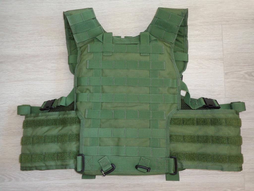 Dutch uniform and body armor as used in Mali, Fibrotex Fightex and Profile Equipment Moral SF, and more related gear (Profile, Diamondback) Dsc06893